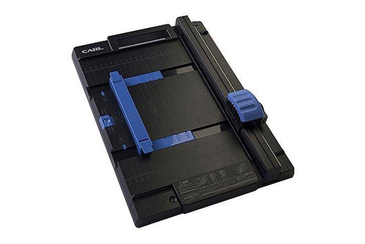 גיליוטינה גלגלת איכותית DC300  לדפי A4  בסיס פלסטיק קשיח- עד 20 דף